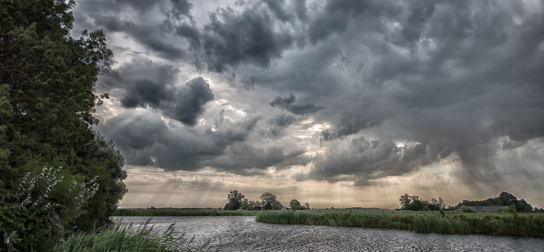 WM-Fotografen, dreigende regen boven Aldeboarn
